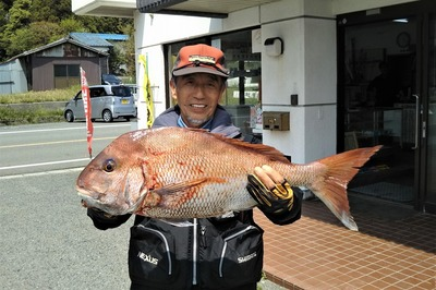 75cmの鯛.jpg