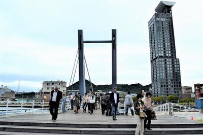 はね橋(ブルーウイング門司)渡り2.jpg