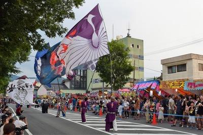 よさこい旗振り演舞3.jpg