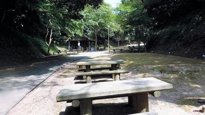 キャンプサイト・炊事棟.jpg