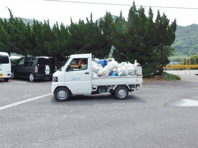ゴミ搬送車.jpg