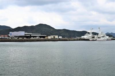 センザキッチンそばの巡視船.jpg