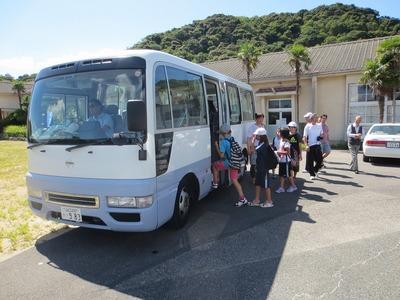 バスへ移動2.jpg