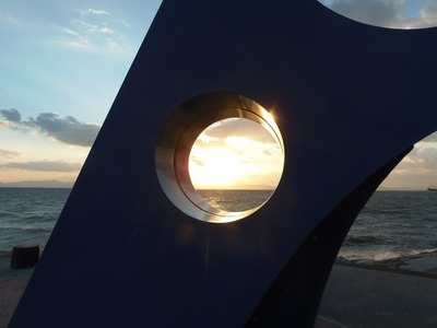モニュメントからの夕陽1.jpg