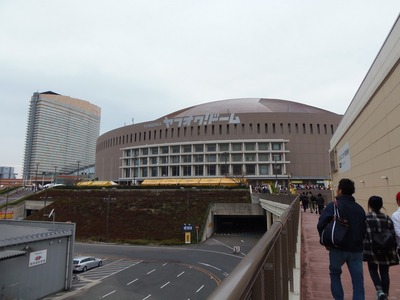 ヤフオクドームとヒルトン福岡シーホーク.jpg