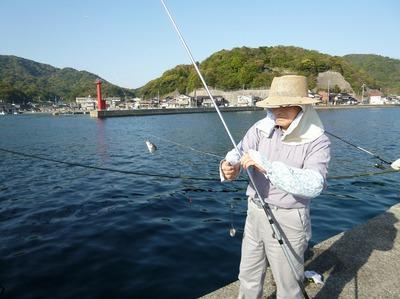 三隅の釣り人.jpg