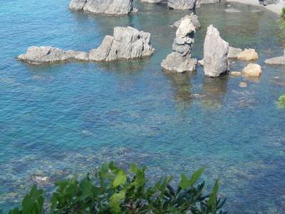 中の浦沖の透き通った海.jpg