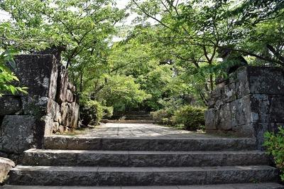 亀岡公園入口.jpg