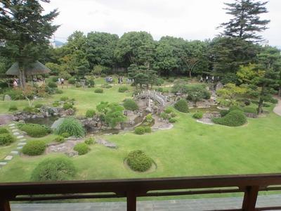 二階座敷からの庭園.jpg