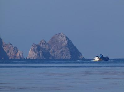 今岬と青海島観光船.jpg