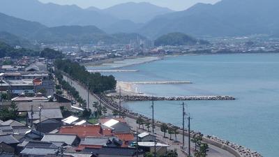 仙崎さわやか海岸と長門市街地.jpg