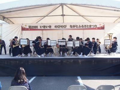 仙崎中学校吹奏楽部の演奏.jpg