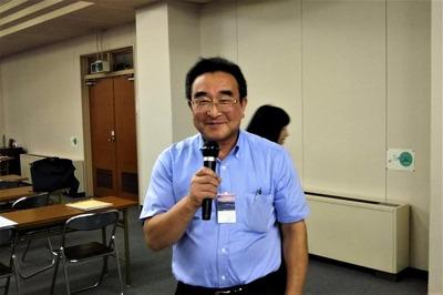 仙崎海産・青村代表の一本締め1.jpg