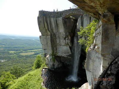 代表的な岩と滝.JPG