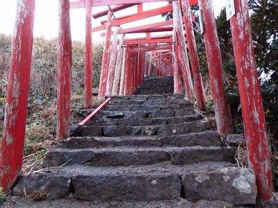 元乃隅稲成神社の鳥居3.jpg
