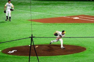 先発・和田投手.jpg