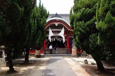 八坂神社・拝殿.jpg