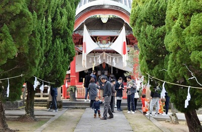 八坂神社・拝殿1.jpg