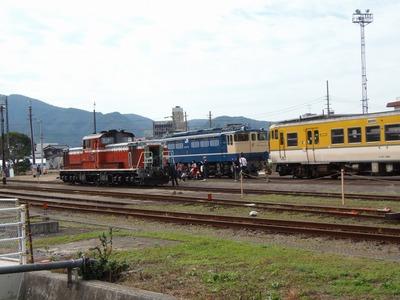 列車がいっぱい.jpg