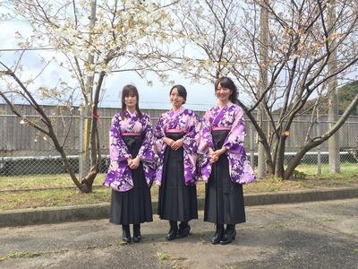 初代桜姫・左から青村さん。山根千佳さん・山根菜緒.jpg