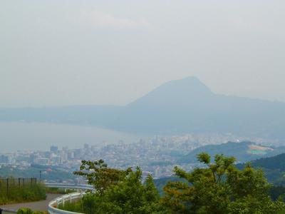 別府市街と高崎山.jpg