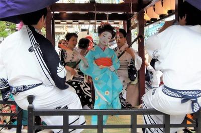 可愛い踊り子さんの優美な舞2.jpg