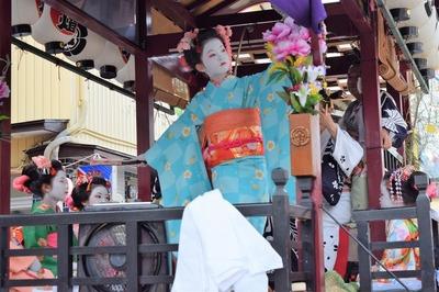 可愛い踊り子の優美な舞4.jpg