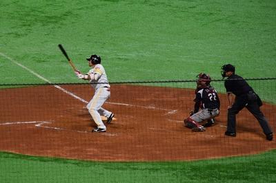 吉村選手ホームラン1.jpg