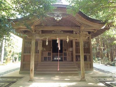 垂裕神社社殿.jpg