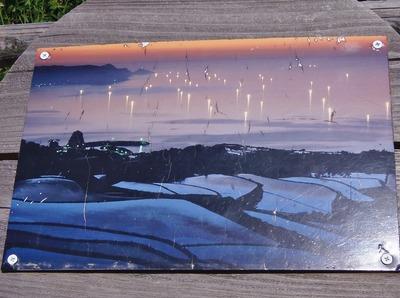 夕暮れの棚田と漁火.jpg