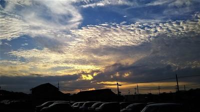 夕暮れの気になる雲.jpg