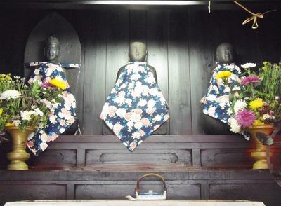 大師堂の石仏1.jpg