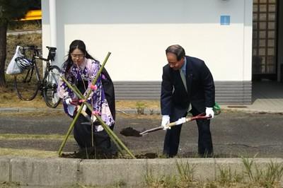 大西市長と室本さん.JPG