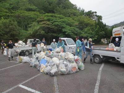 大量の回収ゴミ.jpg
