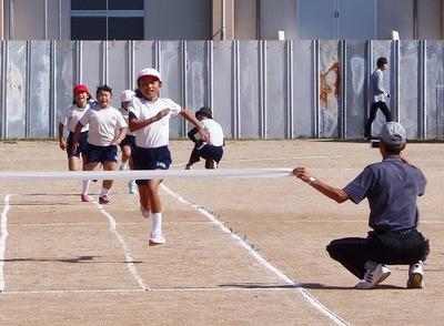 小学生徒競走1.jpg