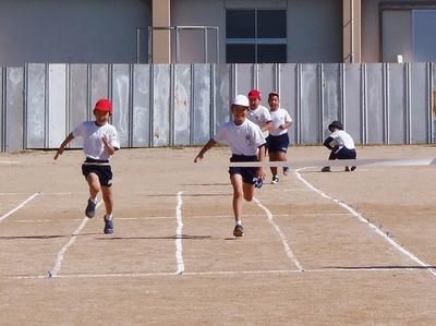 小学生徒競走2.jpg