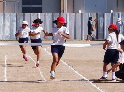 小学生徒競走3.jpg