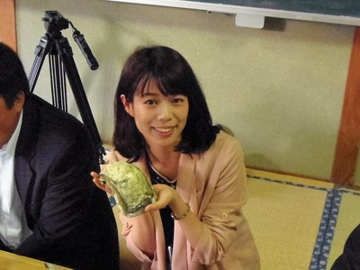 小林愛子さん・いわ牡蠣.jpg