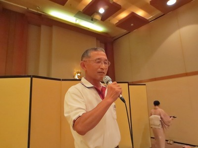 岡田さん熱唱.jpg