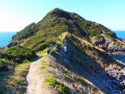 川尻岬先端に続く遊歩道.jpg