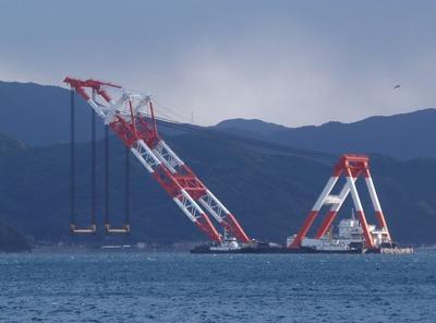 巨大クレーン船.jpg