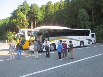 帰りのバスに乗車.jpg