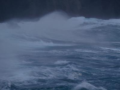 幻想的な波しぶき2.jpg