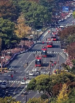 広島Vパレード2.jpg