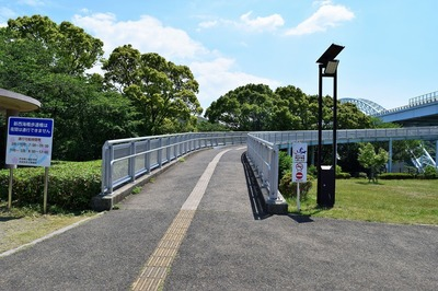 新西海橋歩道橋入口.jpg