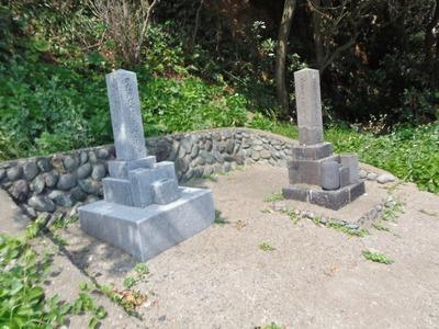 日露のお墓.jpg