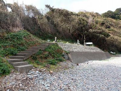 日露兵士の墓碑へ.jpg