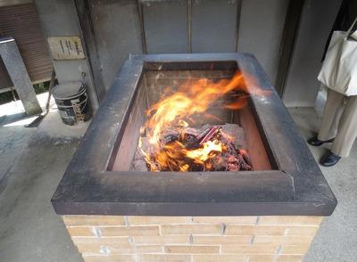 有難い線香の火・煙.jpg