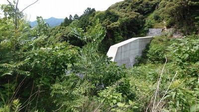 本城川堰堤4.jpg