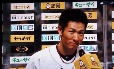 本田選手ヒーローインタビュー.jpg